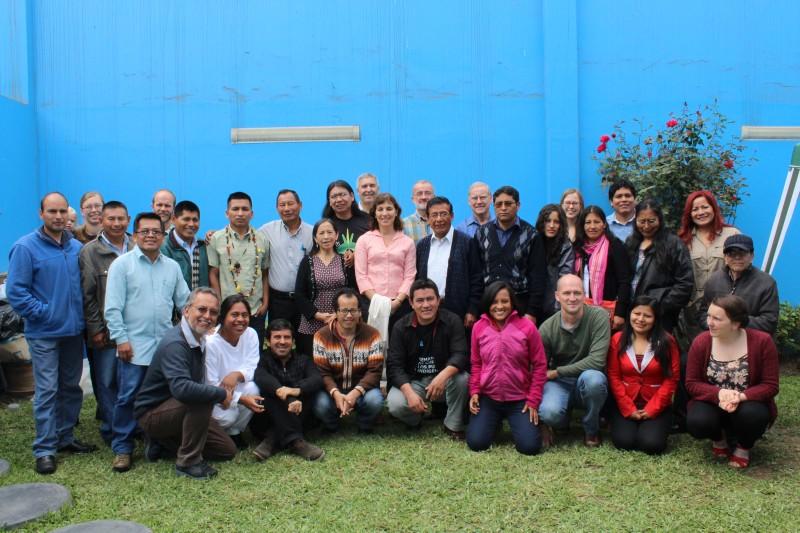 """Los y las participantes del encuentro """"¿Quién hace la historia? Espiritualidad e identidad indígena de la misión."""""""